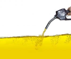 Como alguns hábitos dos motoristas afetam a economia de combustível?